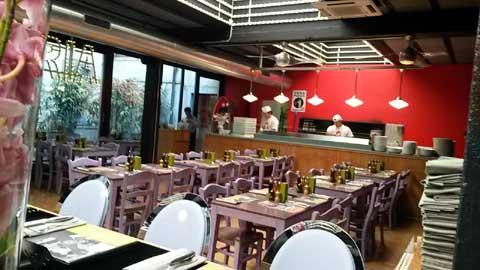 restaurant pizzeria luigia gen ve. Black Bedroom Furniture Sets. Home Design Ideas